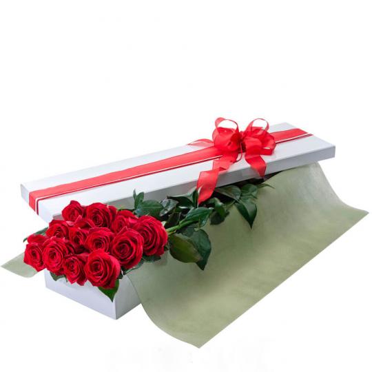 Rožių puokštė dėžutėje